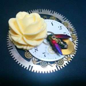 Absynthe Design Beetle Brooch