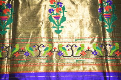 The Muniya motif pallu