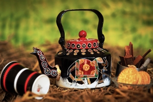 Hand-painted kettle by Rangrage