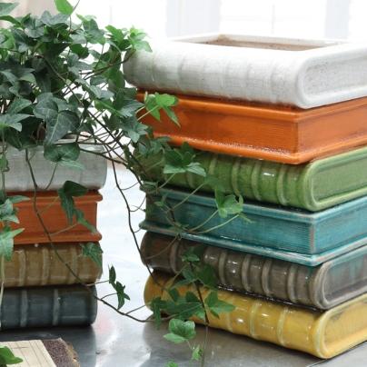 shelf-of-books-planter