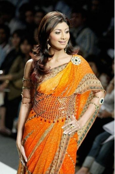 Shilpa Shetty with an Elegant Saree Kamarbandh