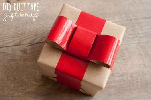 DIY DUCT TAPE GIFT WRAP 1