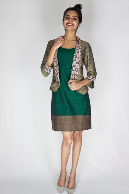 55597cb1b3822_2158_Pilgrim-Dress